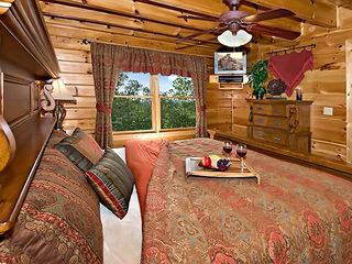 Pigeon Forge cabin photo - master bedroom with king size bed