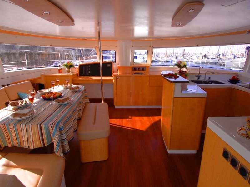 Elegant european sail catamaran yacht charter vrbo for 01 bedroom ac deluxe houseboat