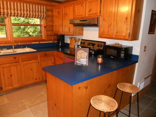 Blue River cabin photo - Kitchen Area With Extra Seating