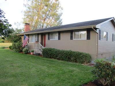 Family Home at Gateway to Mt. St. Helens - Ask about our MID-WEEK SPECIAL RATE!