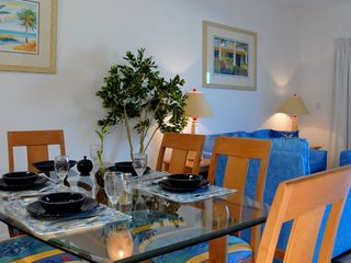 Grand Cayman condo photo - One Bedroom Dining