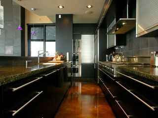 Big White house photo - Viking Pro commercial cooktop & double convection oven; Subzero, Miele, more.