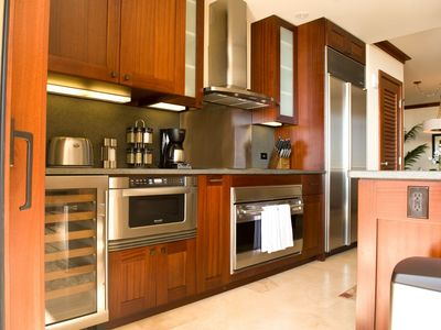 Ko Olina condo rental - Custom kitchen: finest Sub-Zero & Wolf stainless appliances & wine cellar