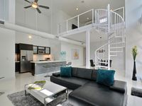 Contemporary Beauty - Downtown Delray - Walk to Atlantic Ave and the Beach