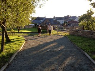 Saint-Georges-sur-Erve chateau / country house photo - Enjoying an early evening game of pétanque/boules.