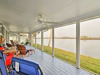 NEW! Waterfront 3BR Crystal River Home w/ Dock!