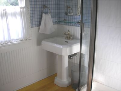 Franconia house rental - 2nd floor bathroom