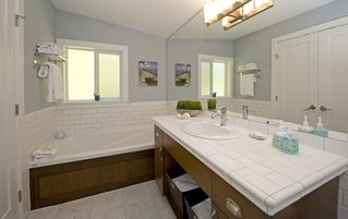 Parksville townhome photo - Master EnSuite with soaker tub