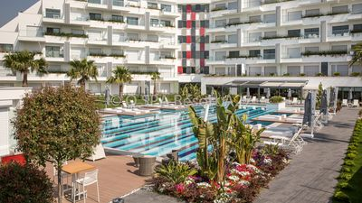 LUX APARTMENT | DIRECT BOOKING WITH OWNER 40% DISCOUNT | PRIVATE BEACH ON SEA