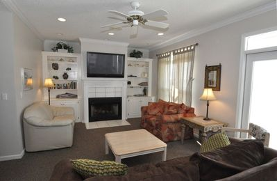 Relax in the Greatroom w/ Fireplace, High Def TV, Cable and DVD.