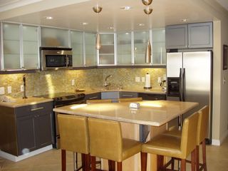 Pacific Beach condo photo - Fullly Furnished Upscale Kitchen