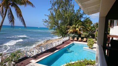 Beautiful Oceanfront Villa with Large Private Pool and Spacious Accommodation