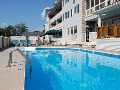 Lincoln condo rental - Seasonal Outside Pool