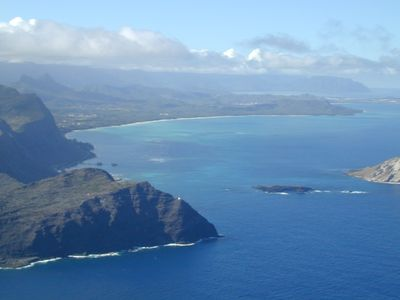 Waimanalo Bay. Makapuu Point and Light House