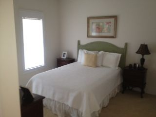 2nd Bedroom w/full bath - Queen