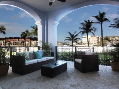 Beautiful, oversized terrace with magnificent marina view