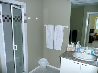 Canmore house photo - Bathroom #3 - Shared by Bedrooms #4 & #5