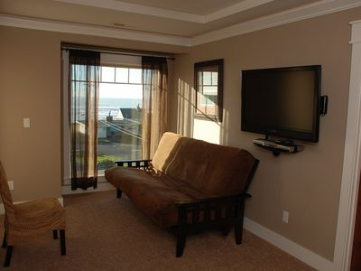 Lincoln City house rental - Master Bedroom futon & beach views