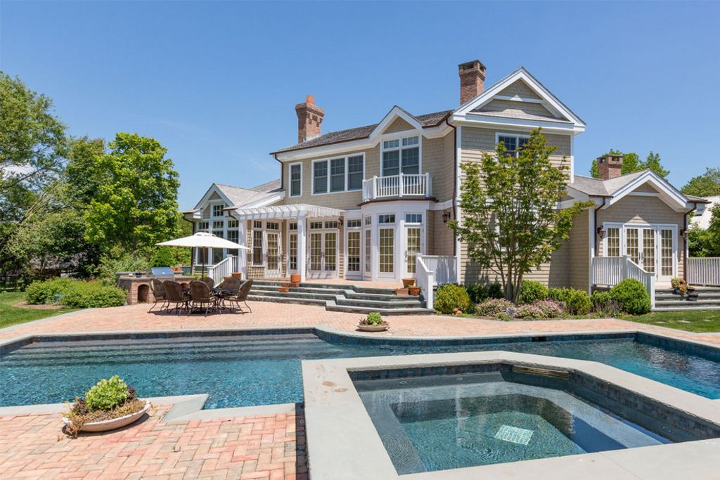 Luxury east hampton retreat pool tennis homeaway for East hampton vacation rentals