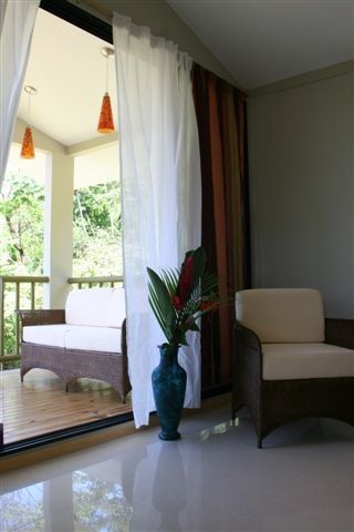 Exclusive and Private Honeymooners Suite