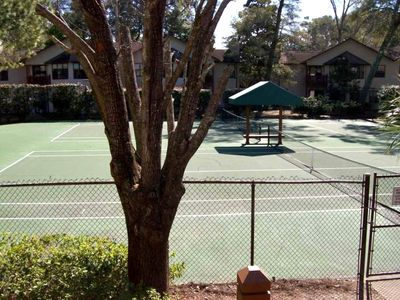 Harbour OaksTennis Courts