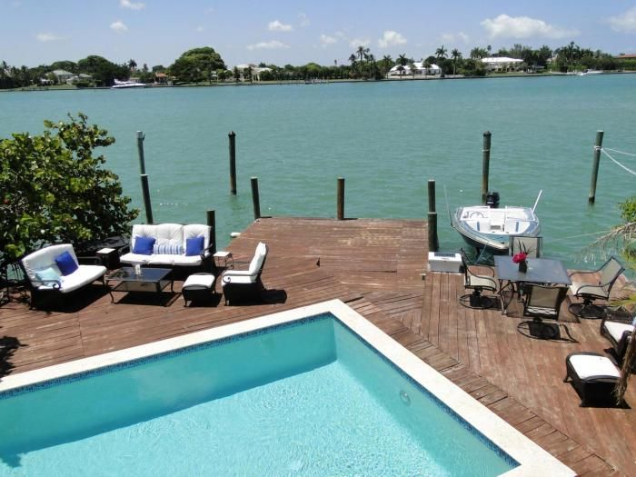 Backyard Bay View : Panoramic Bay View Villa with Private Pool, Miami Beach