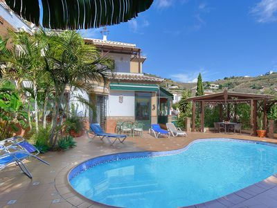 Delightful detached 4 bdrm Villa Roberto located just