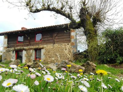 Charming cottage in a former breadoven, close to a bathing lake.
