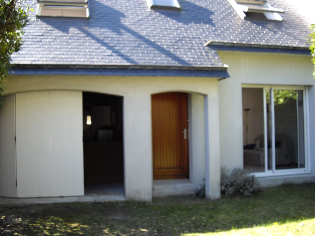 House 100 square meters, close to the sea