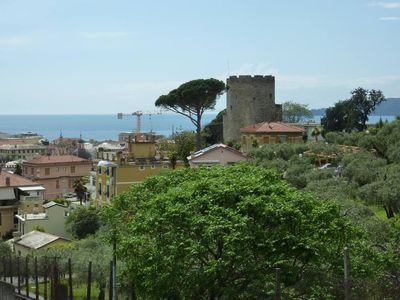 Chiavari: Casa Valentina, near beaches, 2-4 persons, 2 bedrooms, central, quiet, views, tv, washingmachine, ideal children, pets welcome