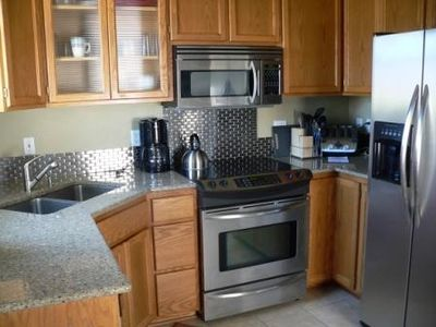Eugene townhome rental - New Stainless Appliances