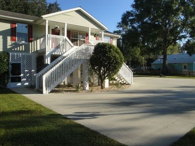 WATERFRONT, 6 bed/2bath, sleeps 15, 2.8 acres, 2 docks,boat ramp ALL NEW!!! WIFI