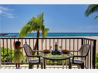 Makaha condo photo - True Direct Beachfront Condo 4-Steps to the Beach from Lanai