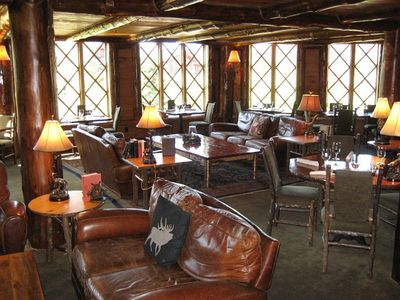 Lake Placid condo rental - Casual Dining At The KANU Lounge