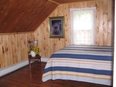 Lake Ariel farmhouse rental - Upstairs Bedroom #3
