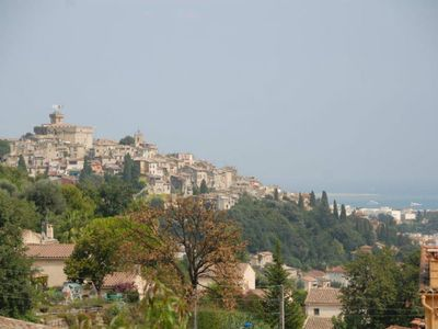Haut-de-Cagnes and the sea