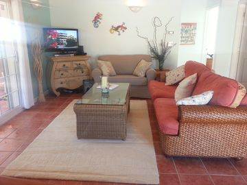 Providenciales - Provo house rental - Family Room