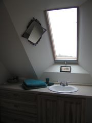 Point Prim house photo - Private Bath upstairs bedroom 3