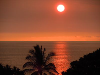 Kailua Kona condo rental - Breathtaking sunsets from the lanai