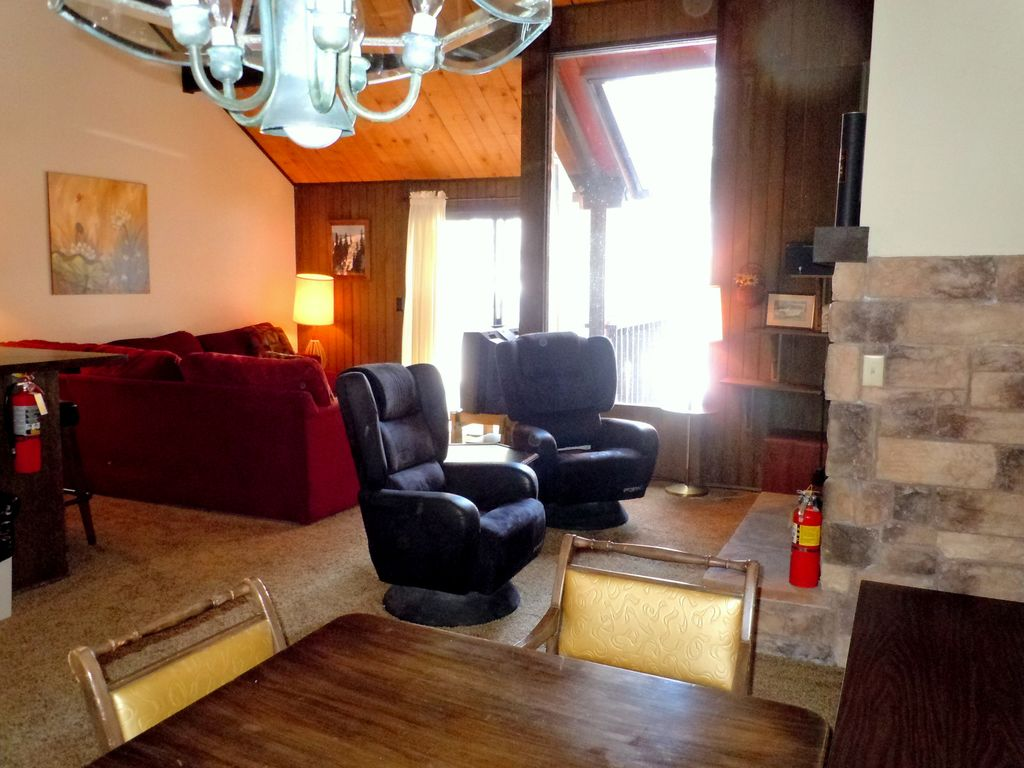 2 5 bedroom townhouse at the base of snow vrbo for 5 bedroom townhouse