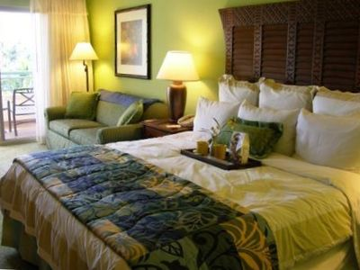 MARRIOTT'S LAHAINA TOWER - Guest Bedroom with King Bed & Queen Sleeper Sofa