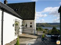 Lovely cottage with stunning views over Loch Fyne