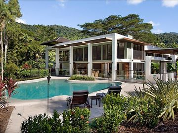 Port Douglas house rental - Pure luxury nestled in spectacular lawns, gardens & rainforest