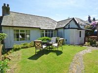 BYWELL, pet friendly, country holiday cottage in Rothbury, Ref 913216
