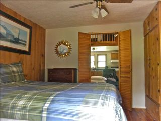 Berkeley Springs cabin photo - Bedroom #1
