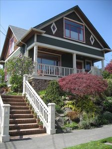 Beautiful 1907 Craftsman Style Home on Greenlake