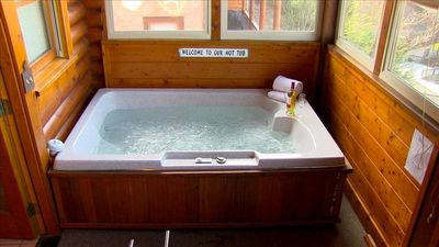 Relax in this luxurious hot tub