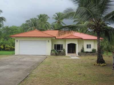 Comfortable 3 bedroom home on Panamas best beach.