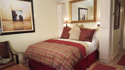 Early Ski Special only **  $180 per night thru Dec. 14  **  BOOK NOW!