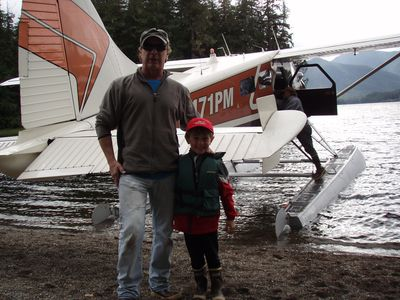 Pilot Jeff Carlin assisting with a family trip to the Salmon Lake cabin